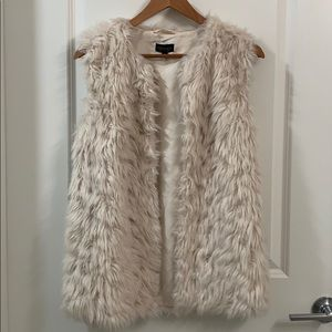 TopShop Faux Fur Sleeveless Coat/Jacket in White